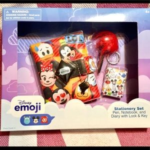 NIB Disney emojis stationary set❤️